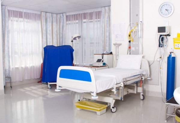 /upl/depositphotos_12037347-stock-photo-modern-hospital-ward.jpg