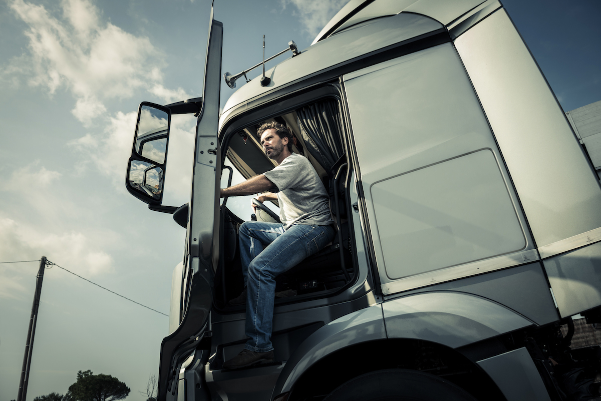 /upl/pictures/KR_2019/News/driver-truck.jpg